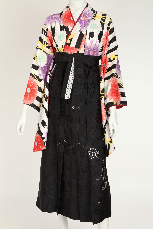 縦縞ストライプ(白黒)のレトロ卒業袴レンタル